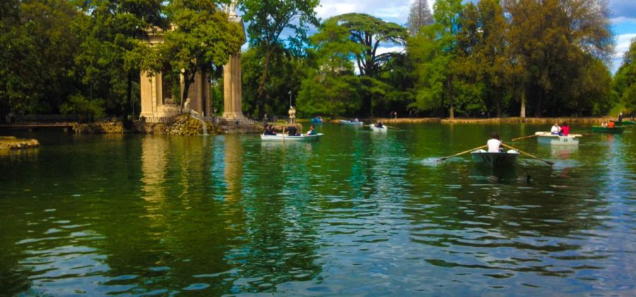 Villa Borghese Lake with row boat rentals