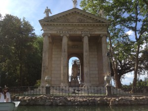 rent boats in Villa Borghese