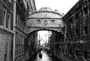 Bridge-of-sighs-venice-italy-tour-the-roman-guy