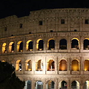 how to stay cool in rome - Colosseum at night