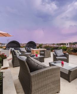 Hoteels with Rooftop Bars & restaurants