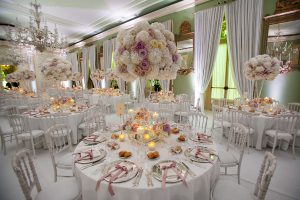 round white table on the the best Weddings in Italy
