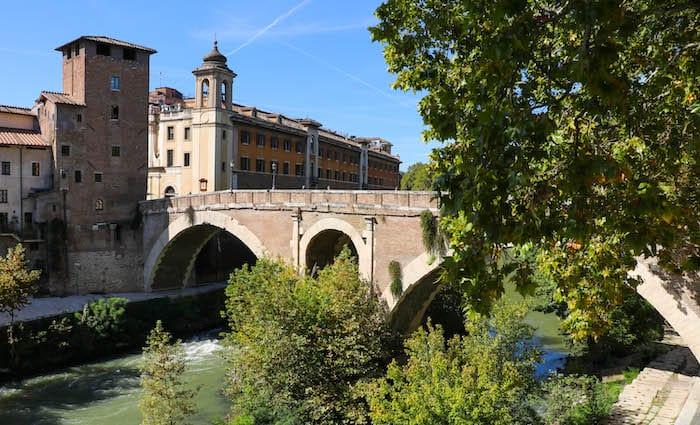 Ponte Fabricio Things to do in Trastevere Tiber Island