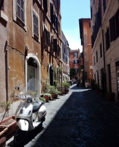 Cobblestone street - 4 hours in Rome