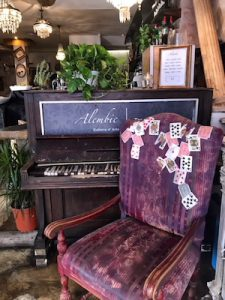 Places to relax in rome - Alembic decor