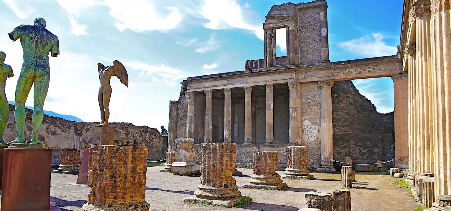 How to Visit Pompeii From Rome