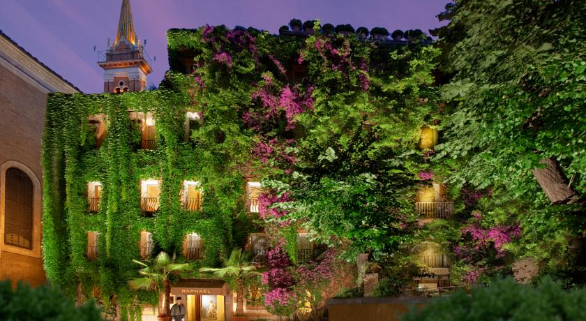 Terrace Bramante bar at Hotel Raphael