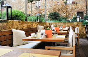 la-bandita-townhouse-restaurant-patio