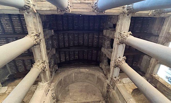 the roman guy pantheon