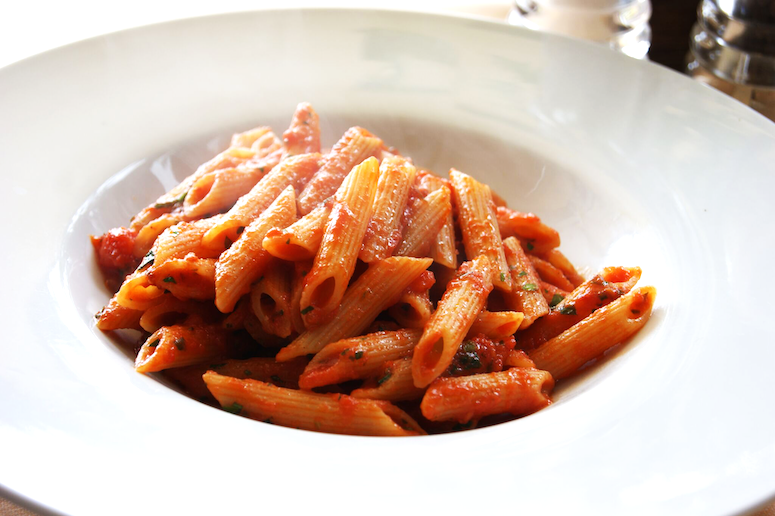 Guide to Italian Meal Courses at a Traditional Dinner