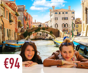 Venice tour boat and walks through the canlas and streets small group